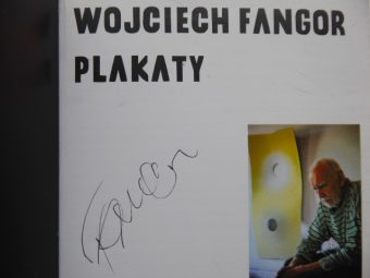 DĄBROWSKI PIOTR - Wojciech Fangor. Plakaty [katalog z autografem]