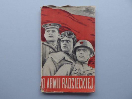 praca zbiorowa O Armii Radzieckiej [projekt obwoluty M. Berman]