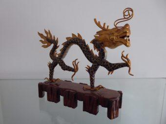 Smok [Chiny, rzeźba platerowana złotem]